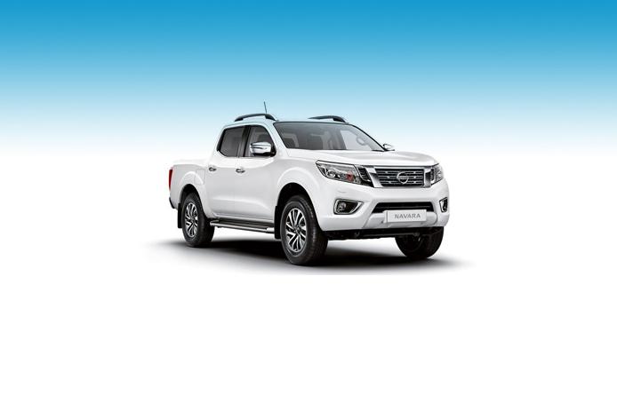 NISSAN NAVARA DIESEL Double Cab Pick Up Tekna 2.3dCi 190 4WD Auto Inc Nav, Full Leather & Camera,-